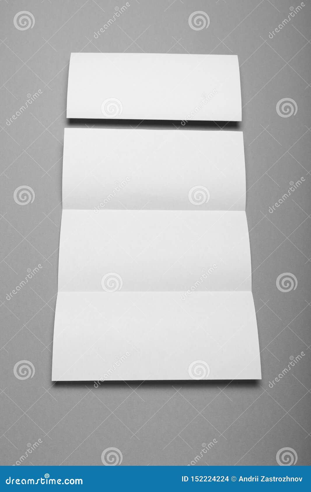 Espacio en blanco triple del folleto, aviador vacío del negocio, folleto