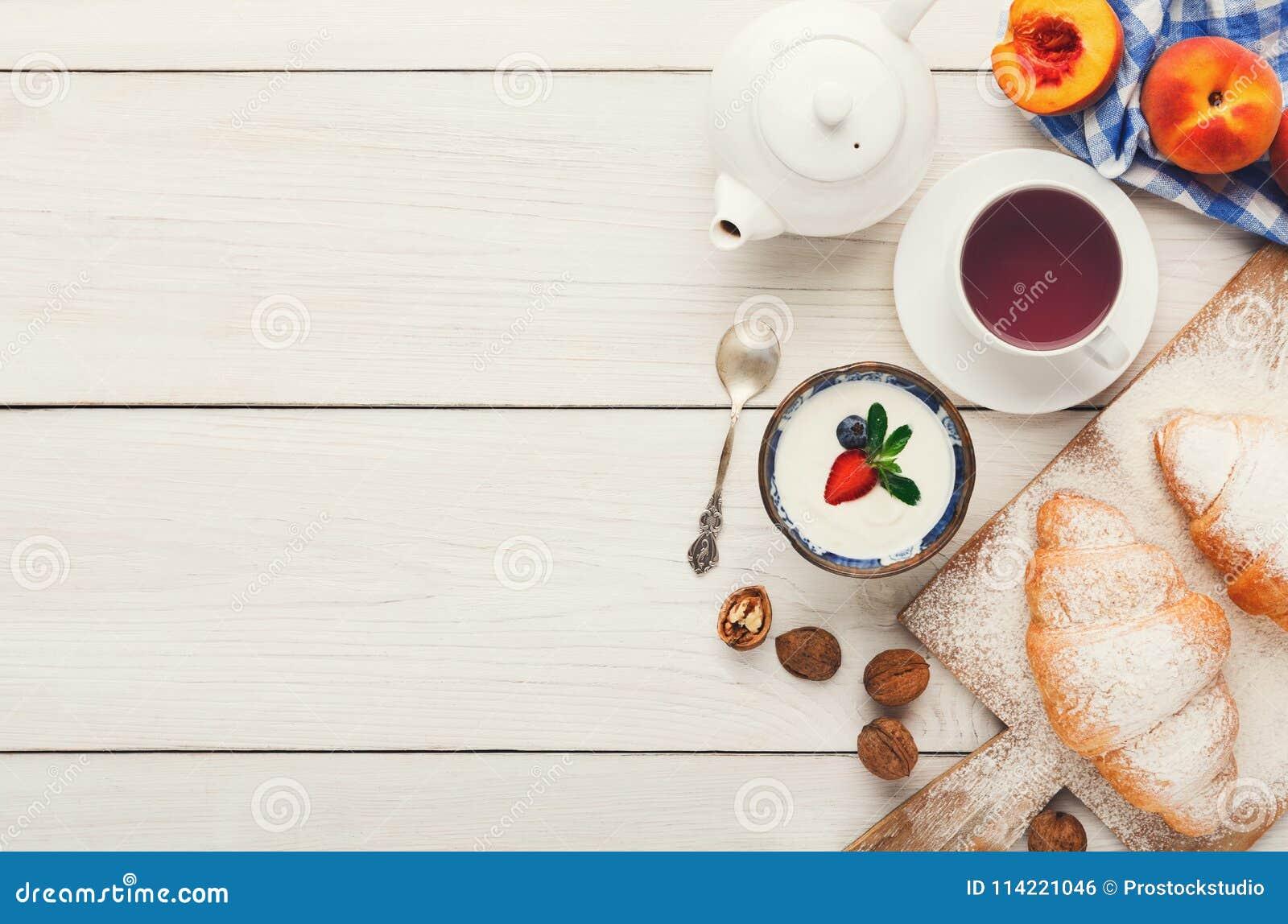 Espacio franc s tradicional de la copia del fondo del for Desayuno frances tradicional