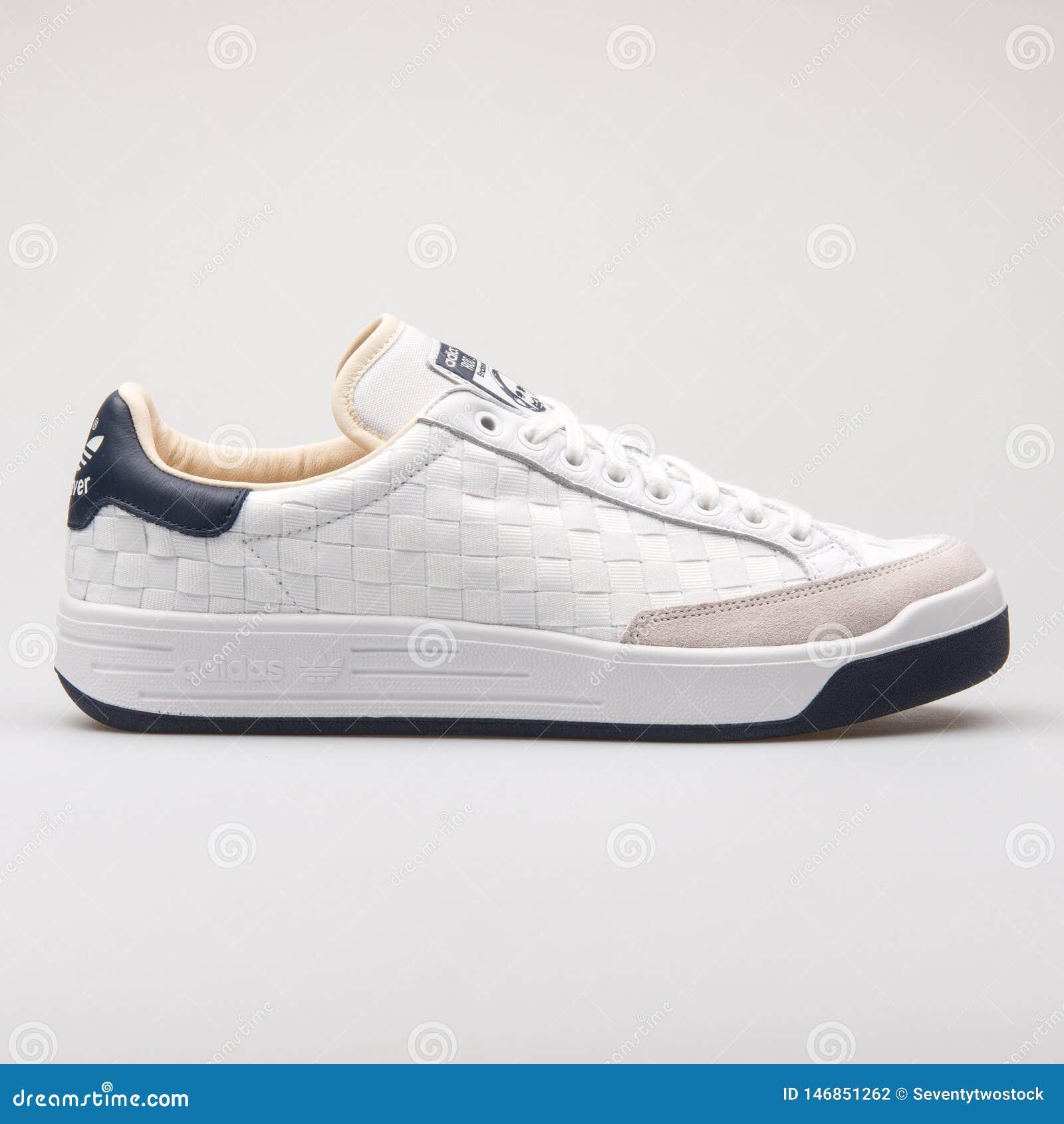 Espadrille de blanc d Adidas Rod Laver Super et de bleu marine