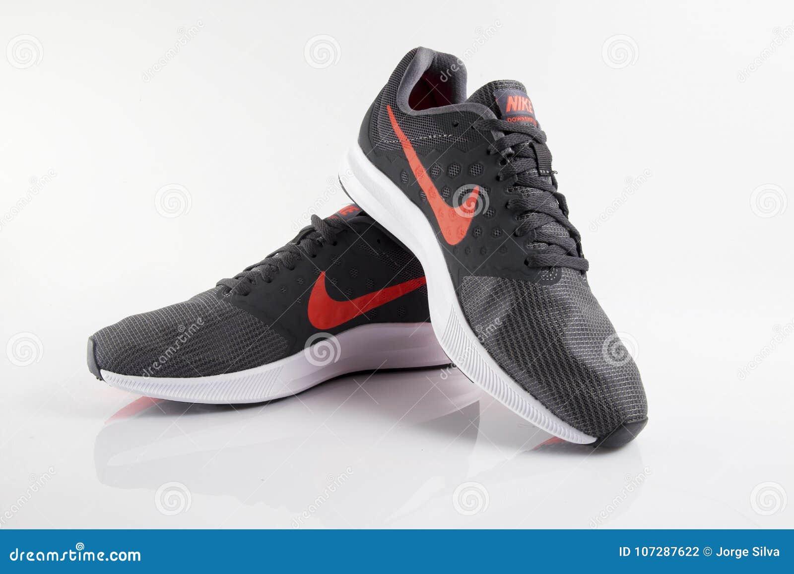 taille 40 90280 809c4 Espadrille Nike Trail photographie éditorial. Image du ...