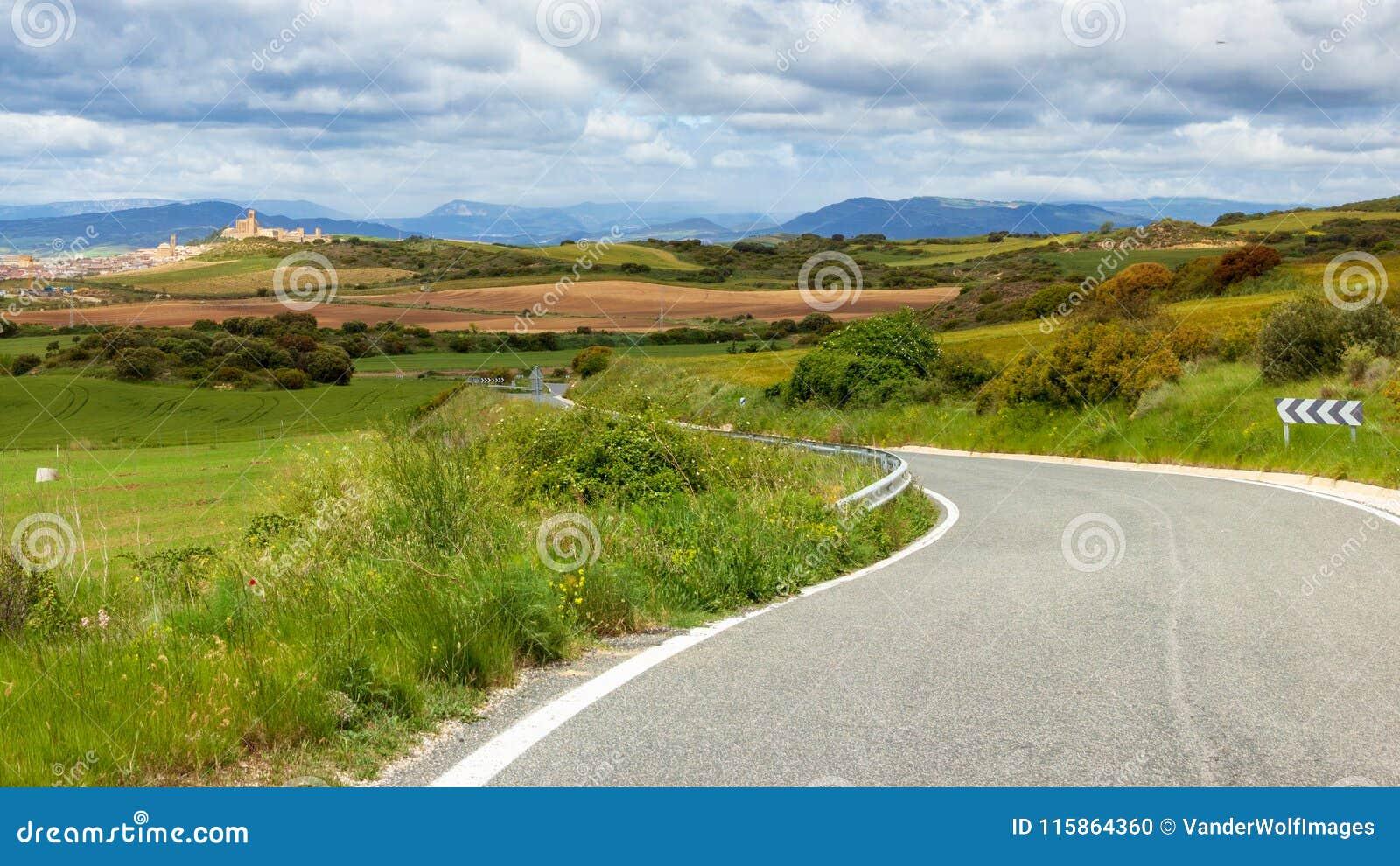 Espanha cênico de Navarra da estrada