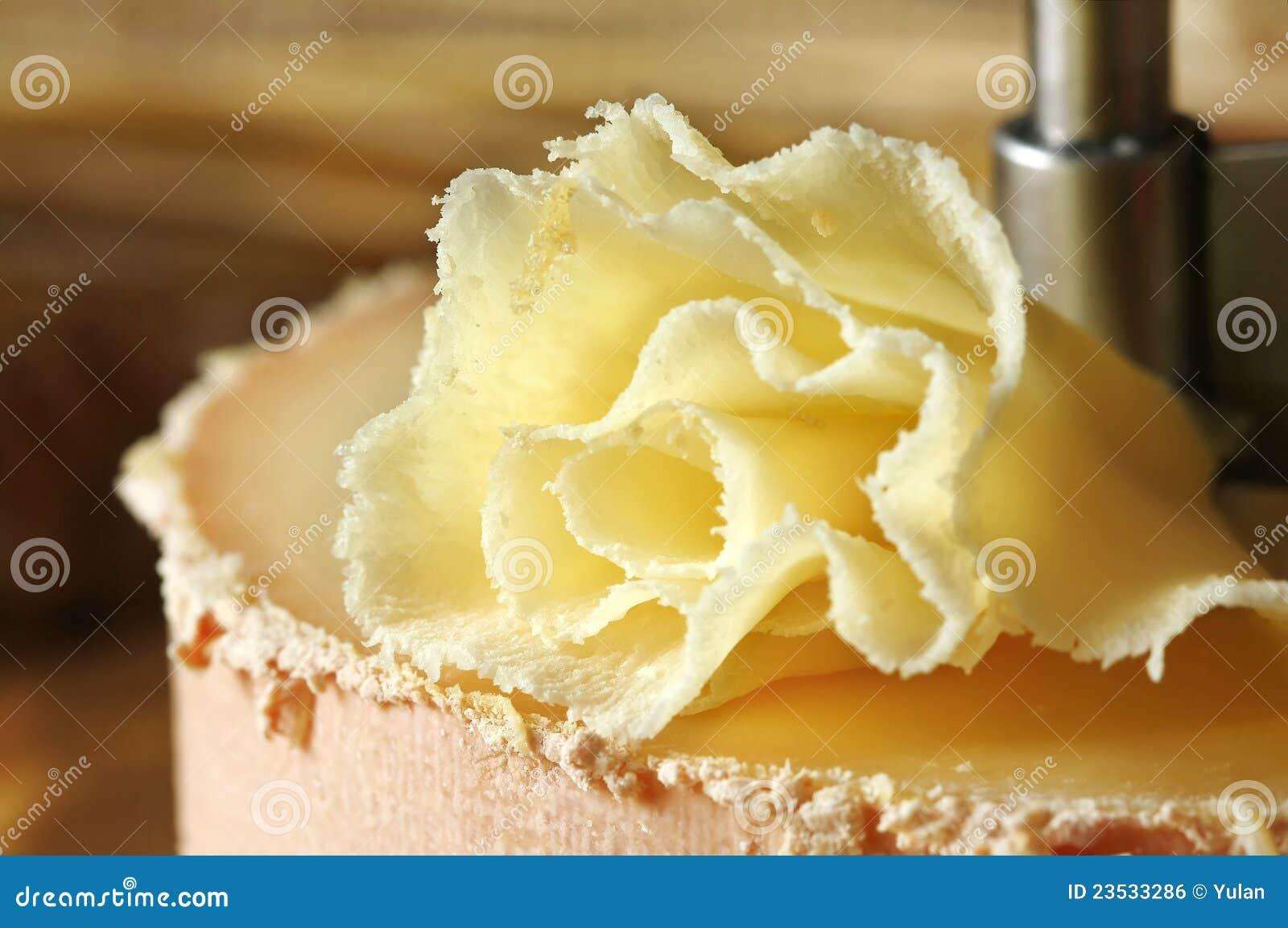 Especialidade do queijo suíço: Tete de Moine