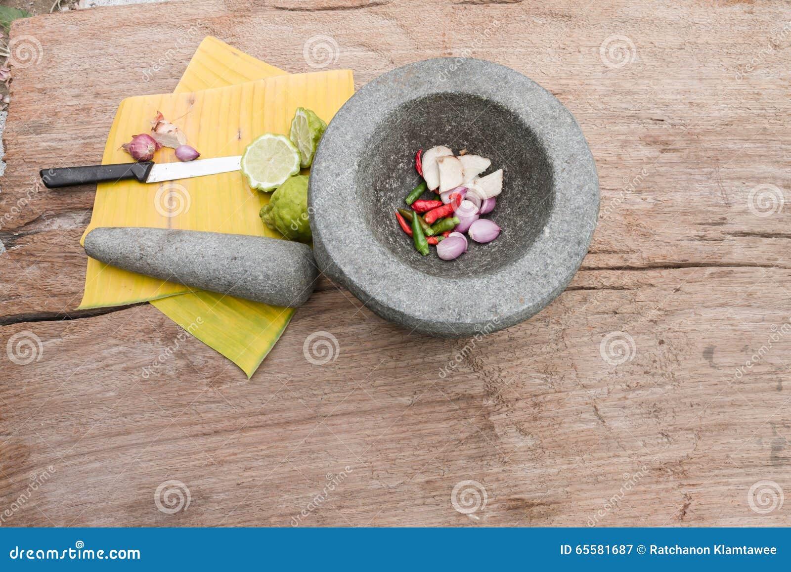 Especiarias e almofariz