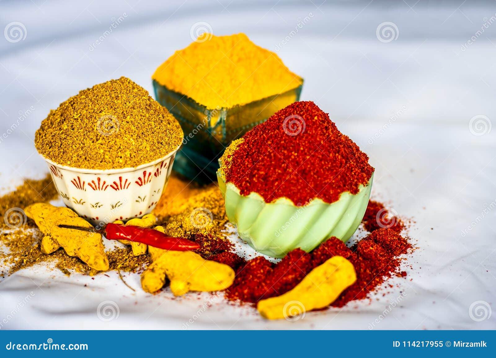 Especias básicas de la comida india