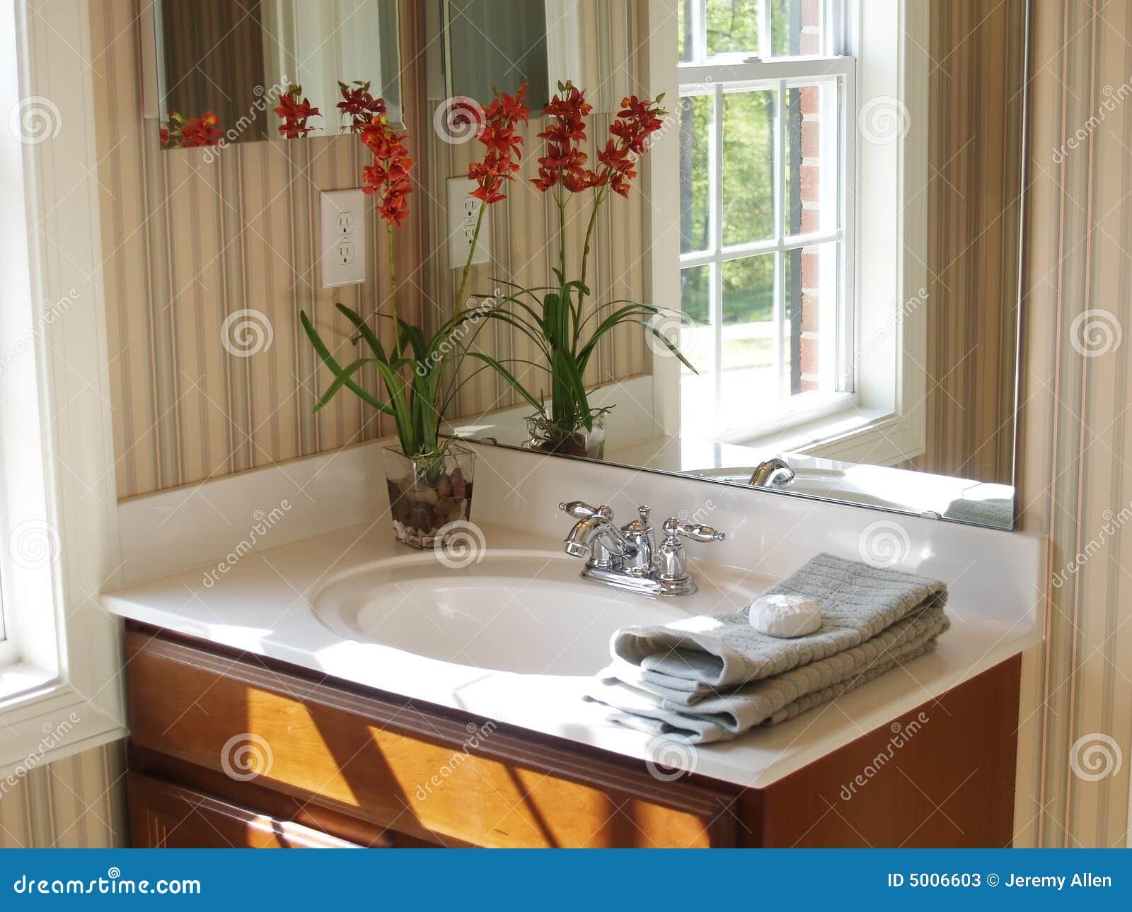 Mais imagens similares de ` Espelho do banheiro ` #AE6E1D 1300 1065