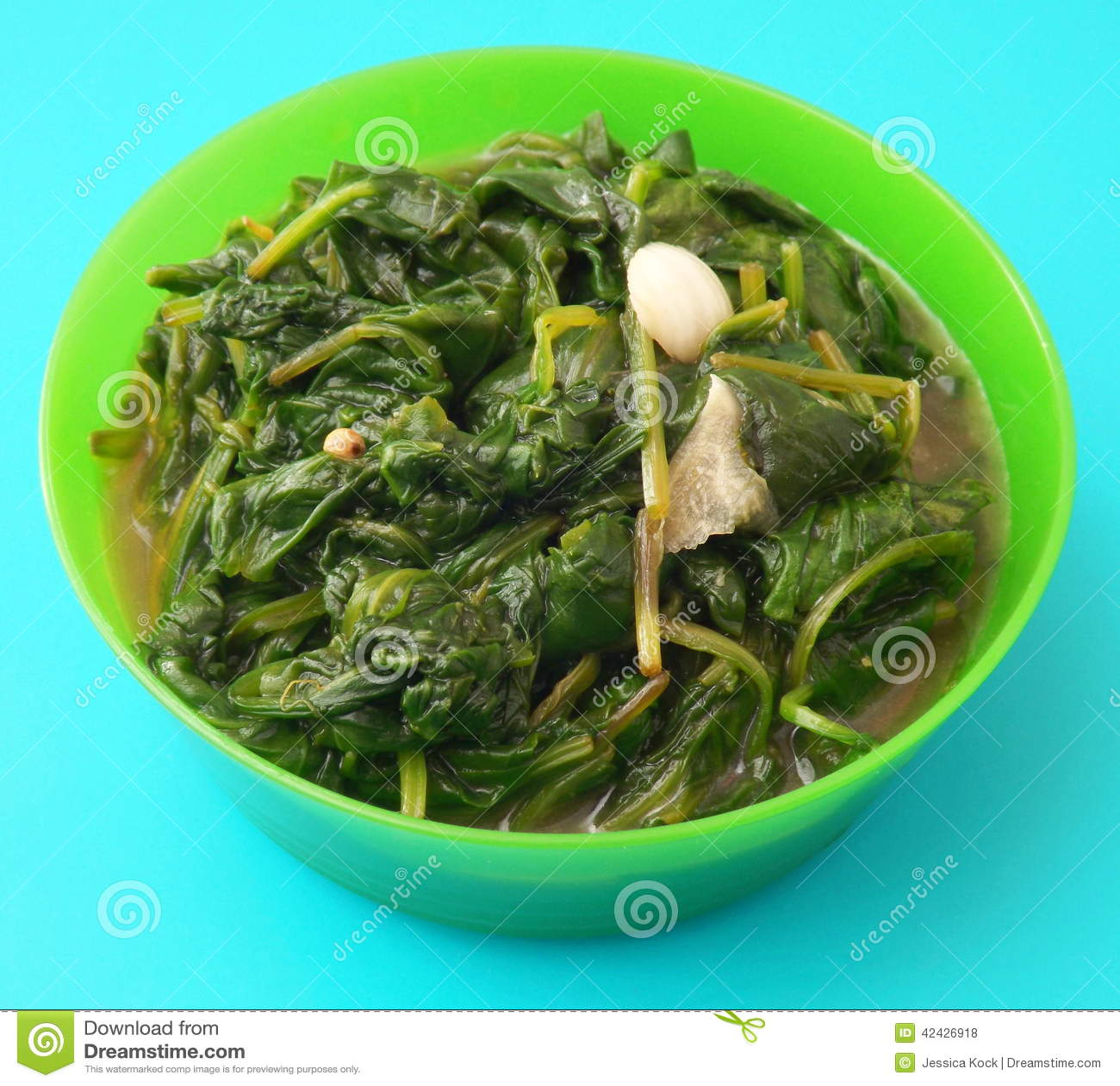 Espinaca fresca con ajo