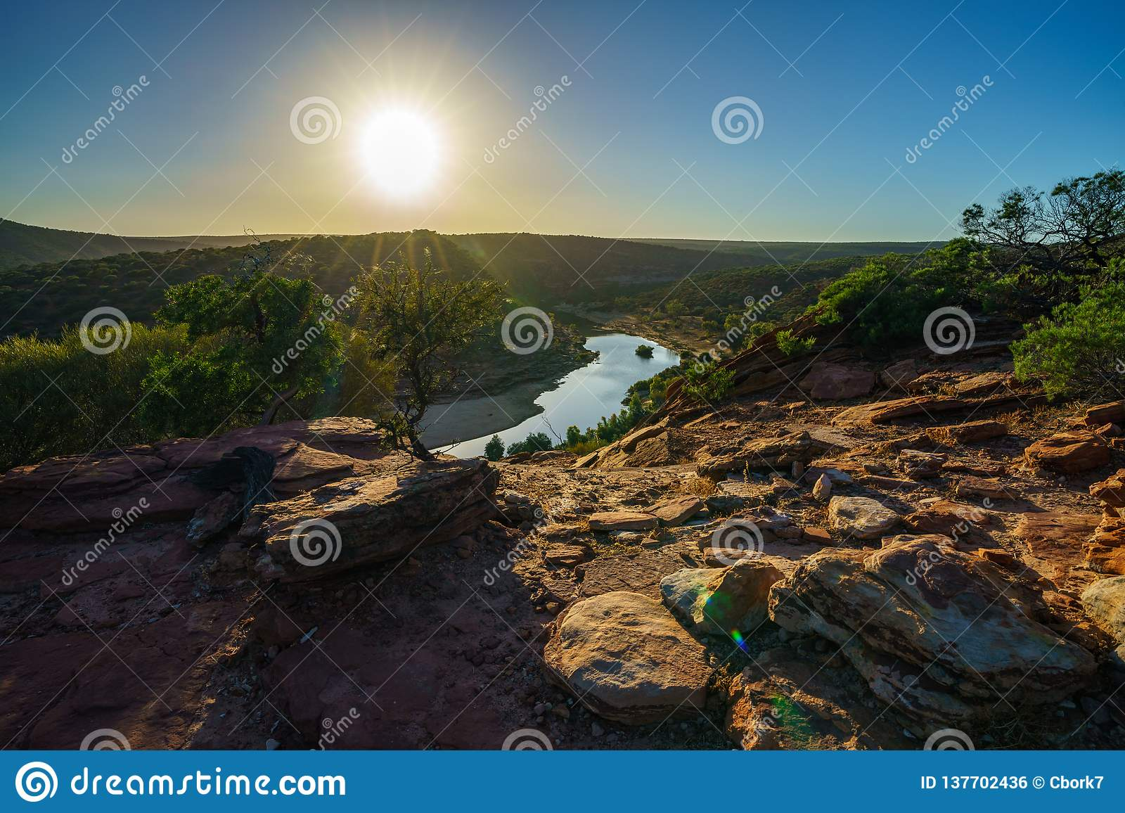Esponga al sole sopra la traccia del ciclo della finestra delle nature, il parco nazionale di kalbarri, l Australia occidentale 1