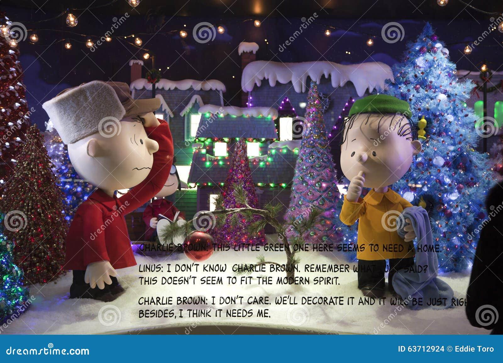 Immagini Natale Linus.Esposizione Della Finestra Delle Arachidi Di Natale A Macy In Nyc