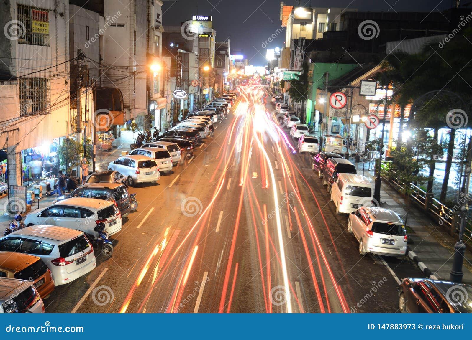 Esposizione lunga a Bandung alla notte