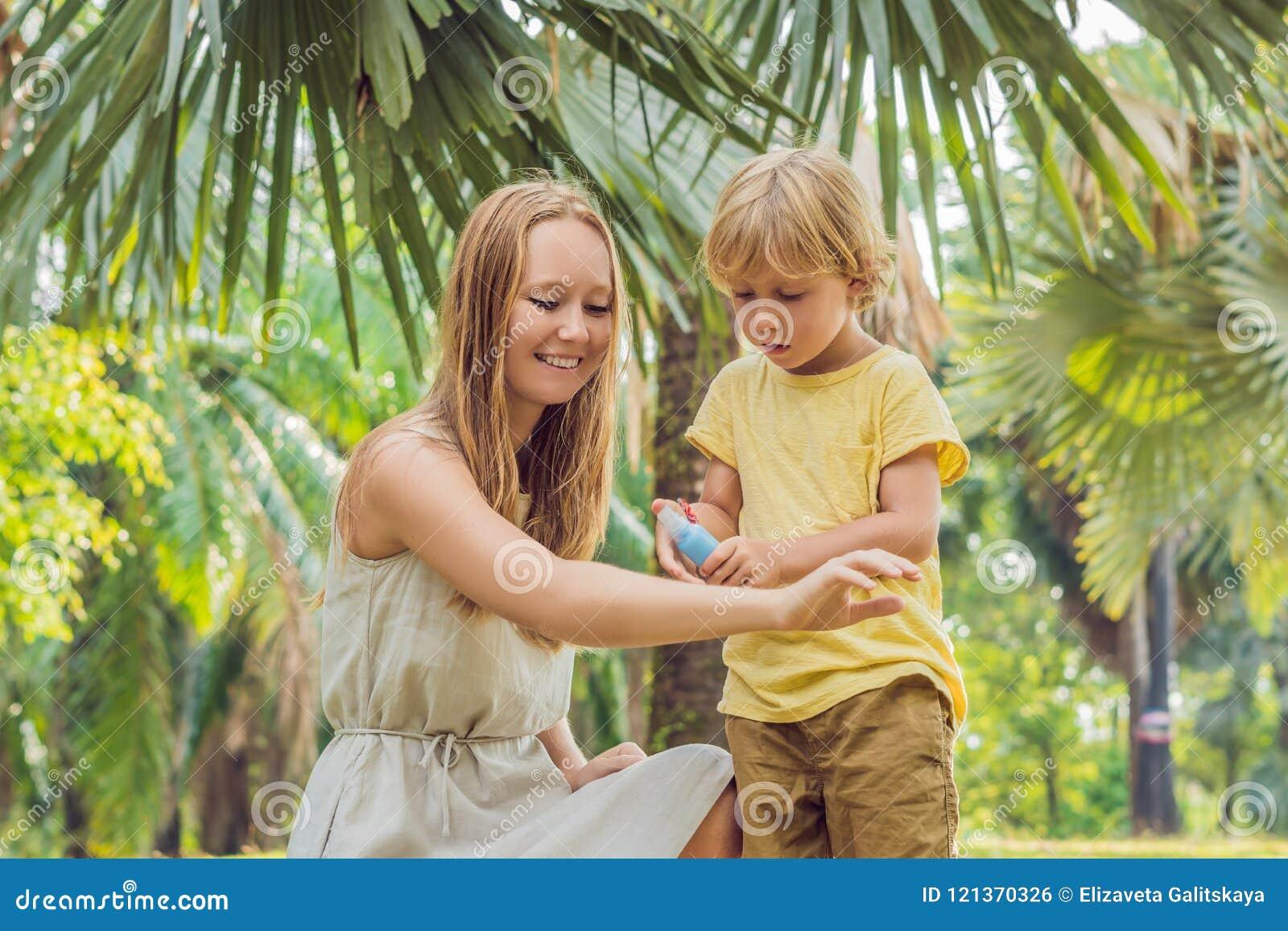 Espray del mosquito del uso de la mamá y del hijo Repelente de insectos de rociadura en piel