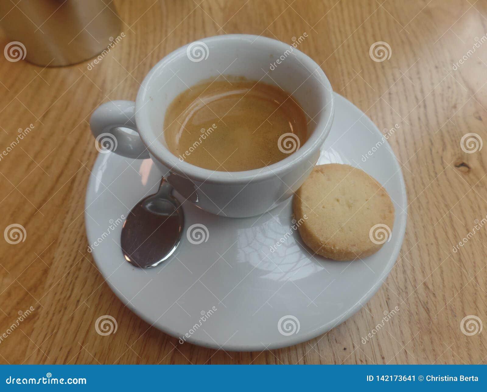 Espresso en een koekje