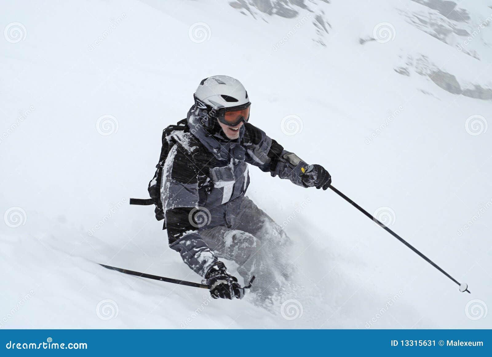Esquí (hombre en juego de esquí gris)
