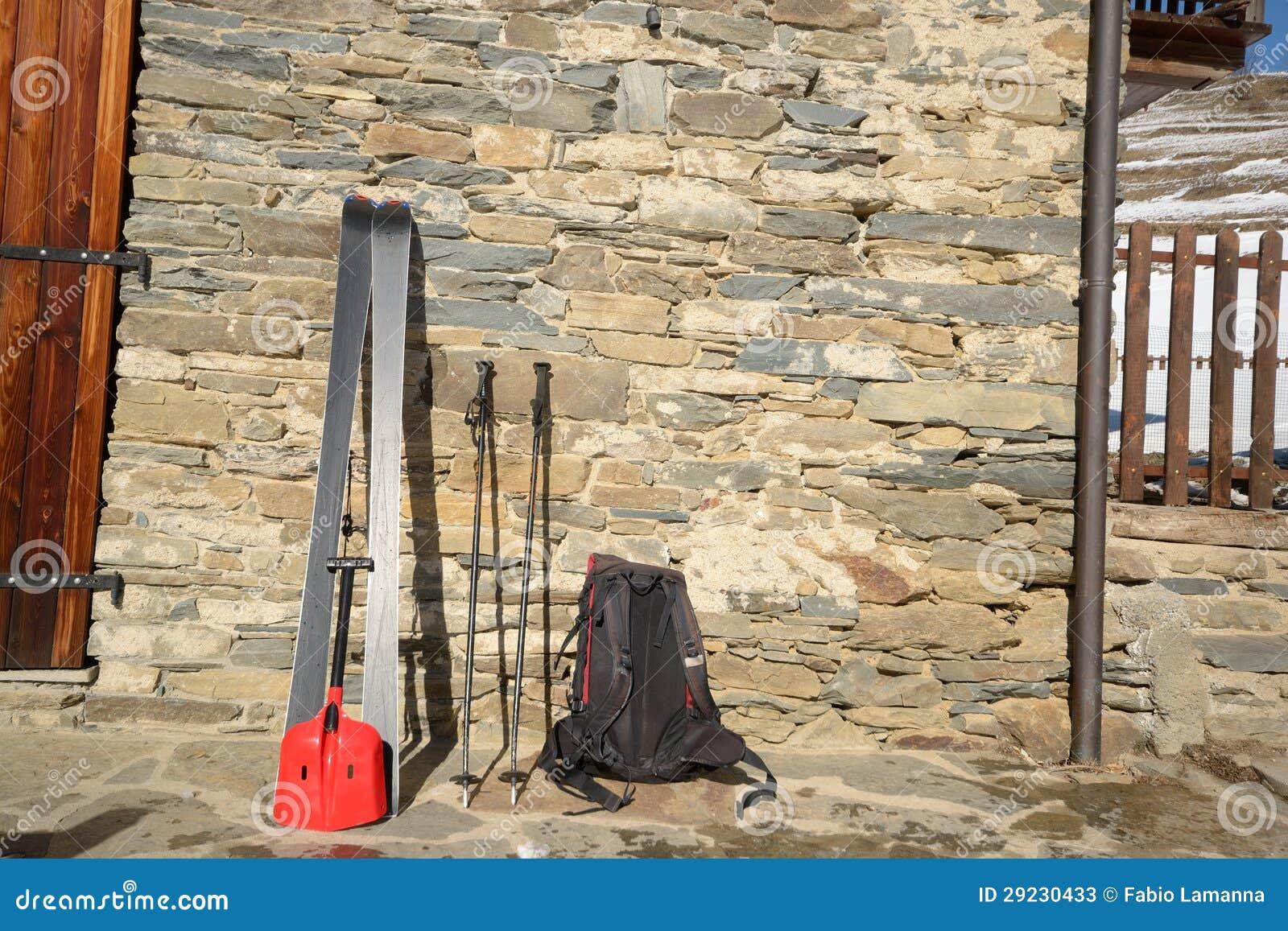 Download Esqui Que Visita Ferramentas Imagem de Stock - Imagem de avalanche, montanha: 29230433