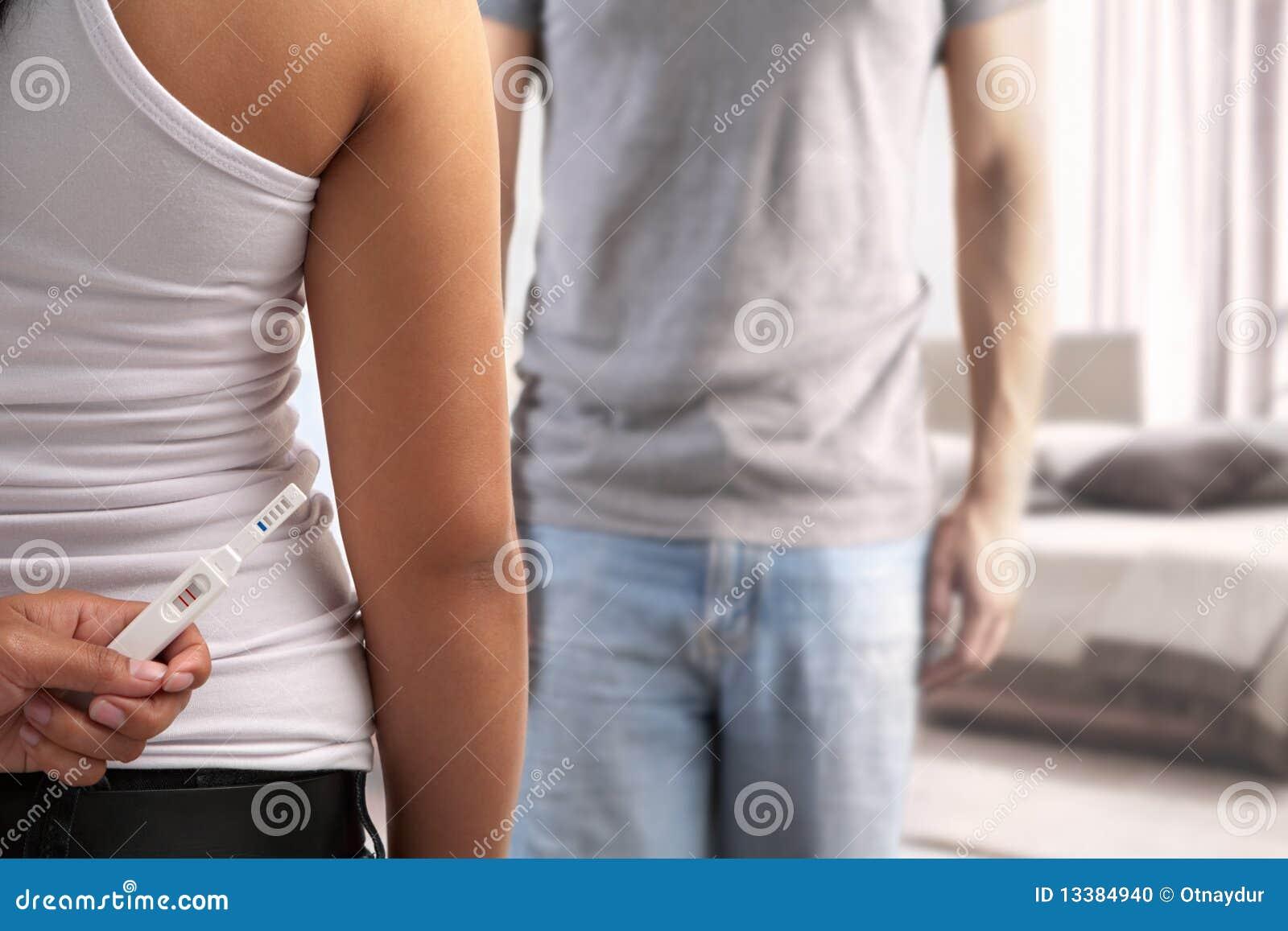 Essai de grossesse de dissimulation de conjoint