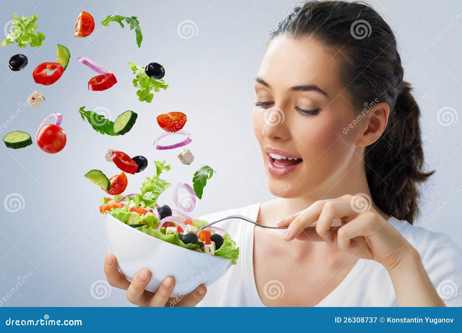 Essen der gesunden Nahrung