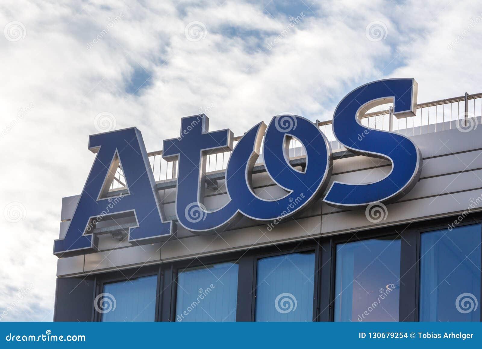 Essen, Nordrhein-Westfalen/Deutschland - 02 11 18: atos unterzeichnen auf einem Gebäude in Essen Deutschland