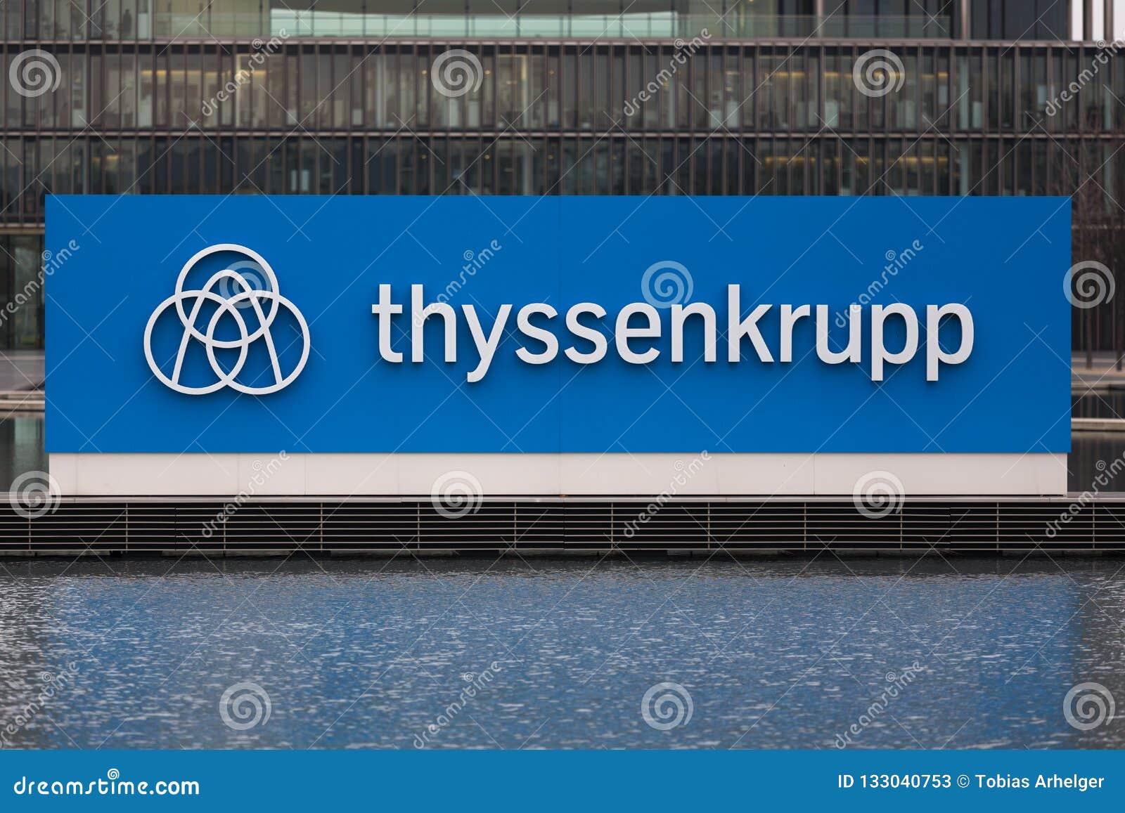 Essen Północny Westphalia, Germany,/- 22 11 18: thyssenkrupp quartier kwatery główne w Essen Germany