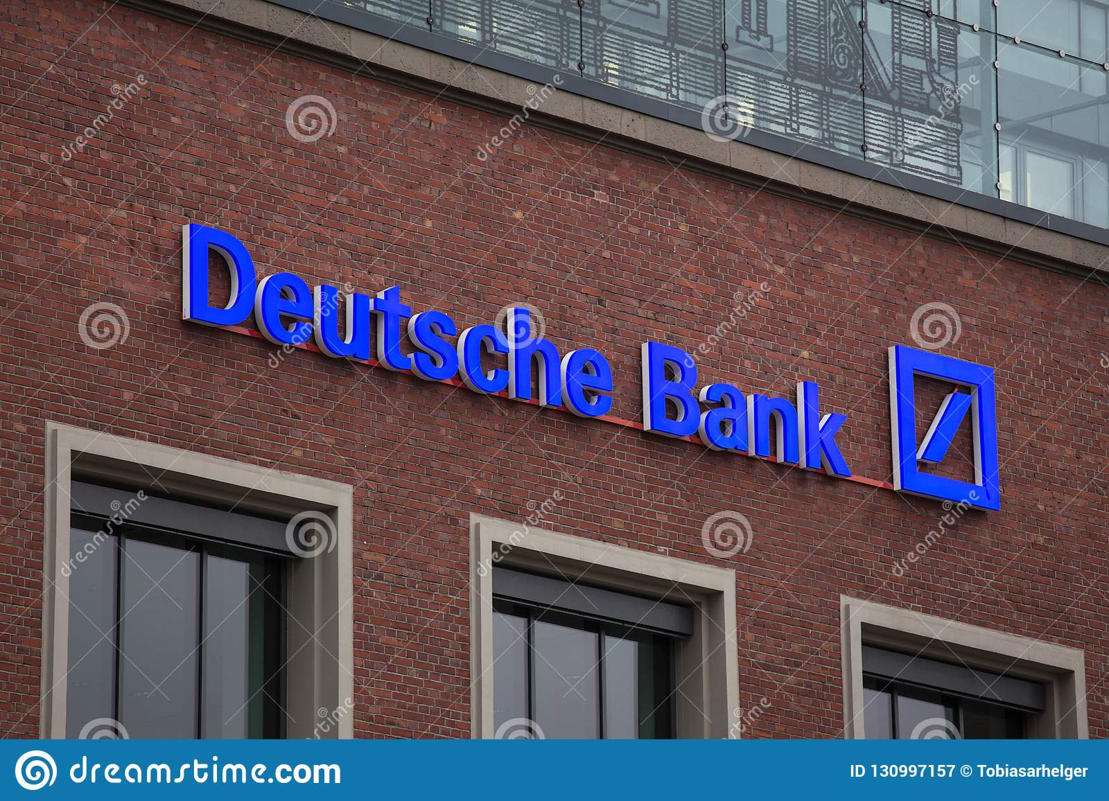 Essen, Renania settentrionale-Vestfalia/Germania - 18 10 18: Deutsche Bank firma dentro Essen Germania
