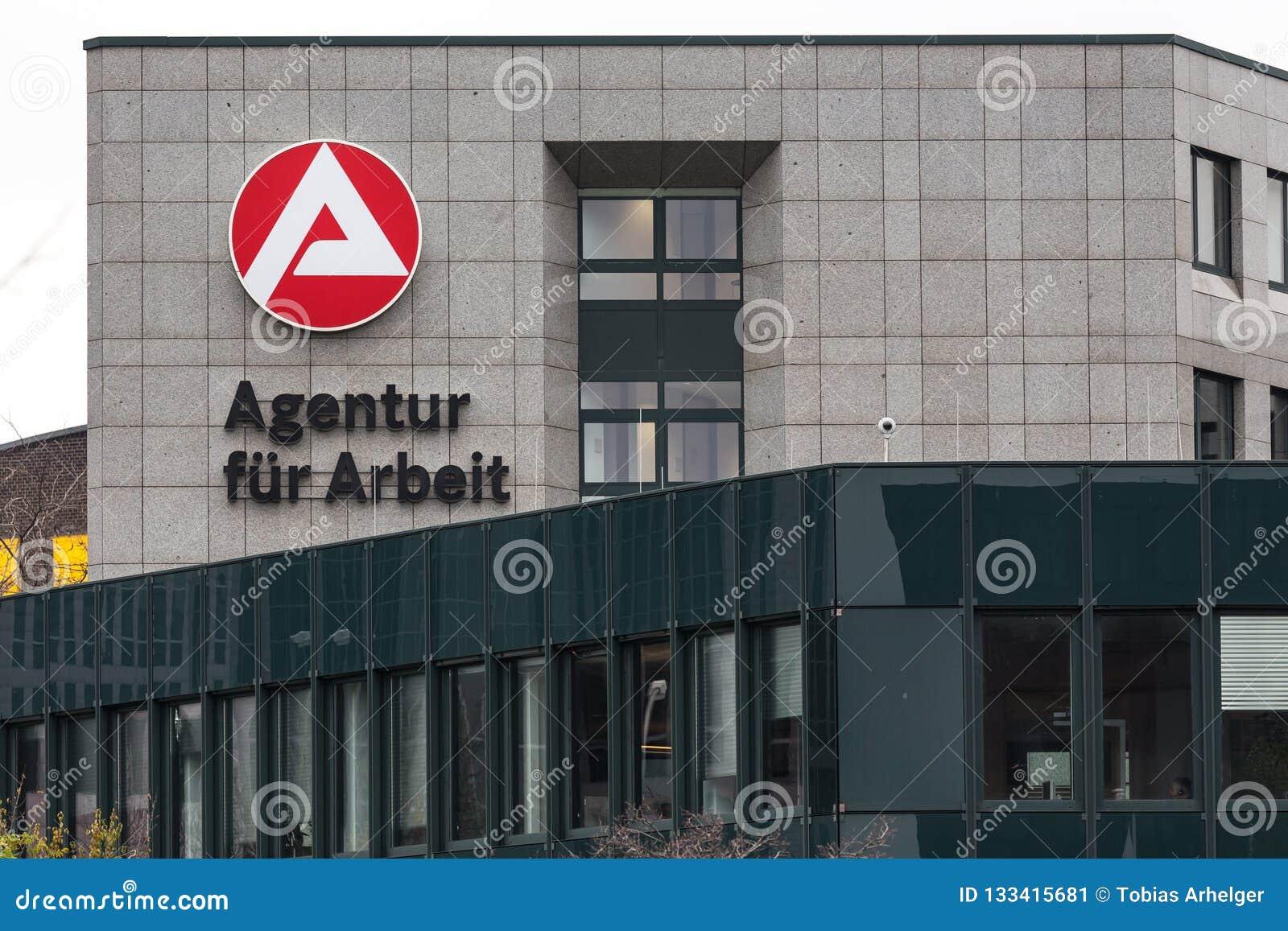 Essen, Rin-Westfalia del norte/Alemania - 22 11 18: el arbeit del ¼ r del fà del agentur firma adentro Essen Alemania