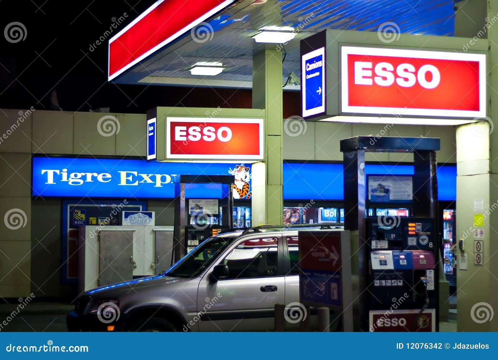 Indian restaurant kitchen design - Esso Gas Station Editorial Photography Image 12076342