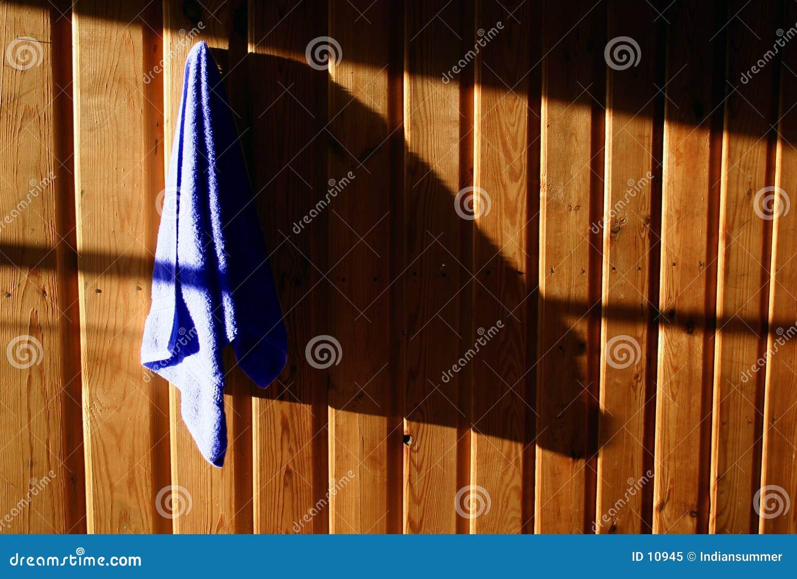 Essuie-main sur le mur