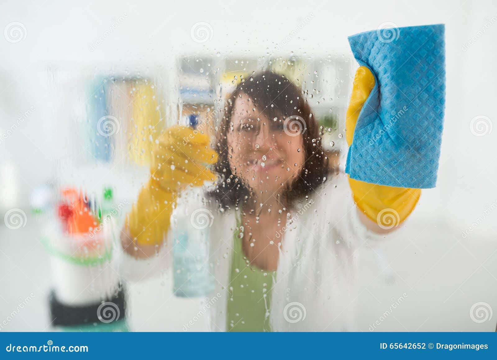 Essuyage de la fenêtre