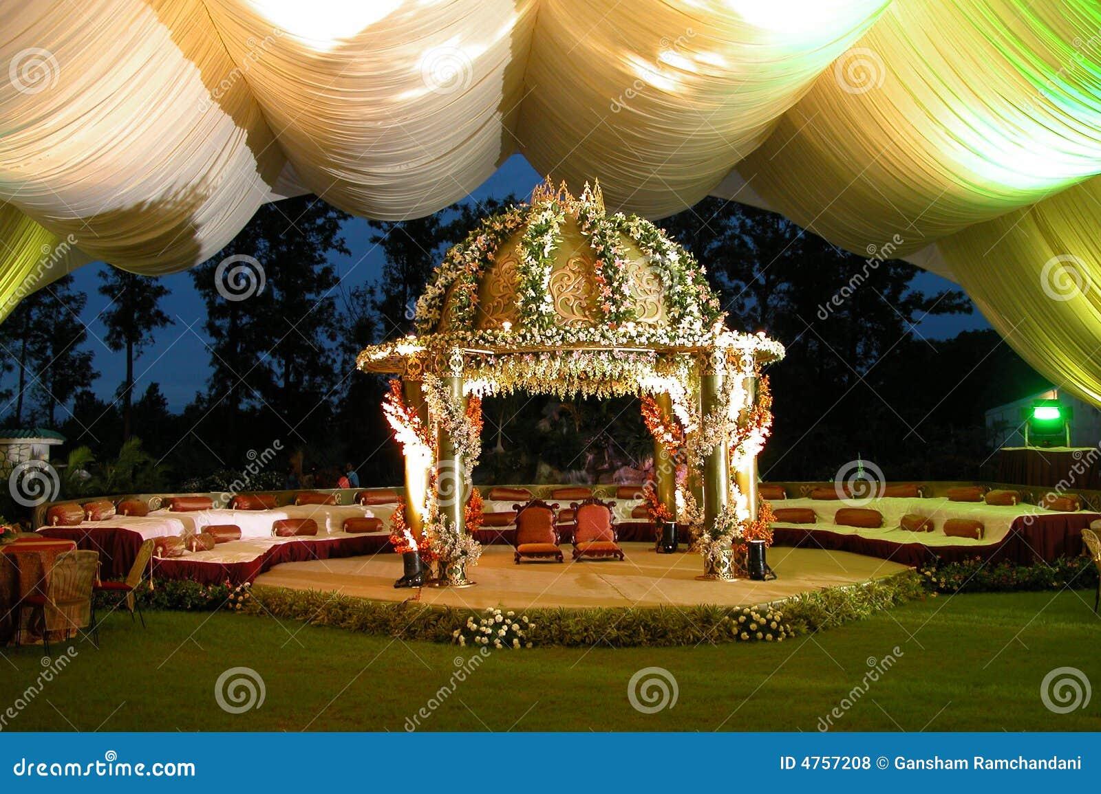 Estágio Hindu indiano do casamento (homem
