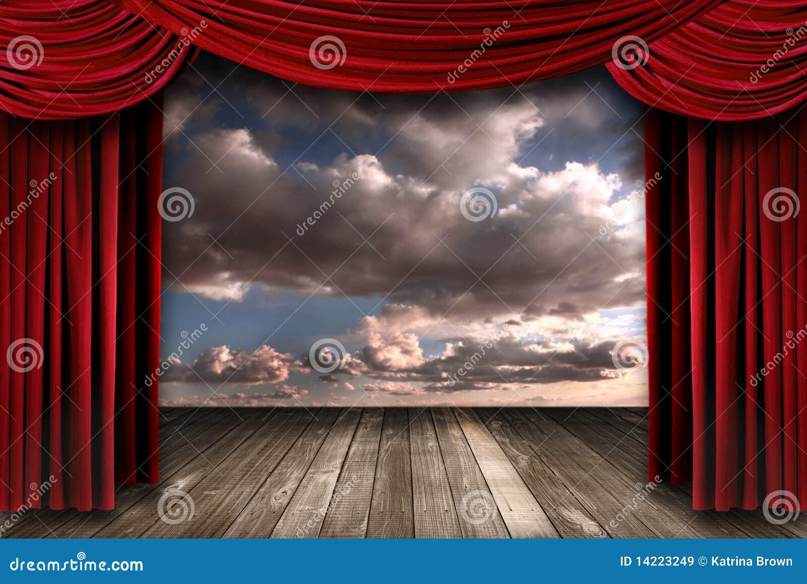 Estágio interno de Perormance com Cu vermelho do teatro de veludo
