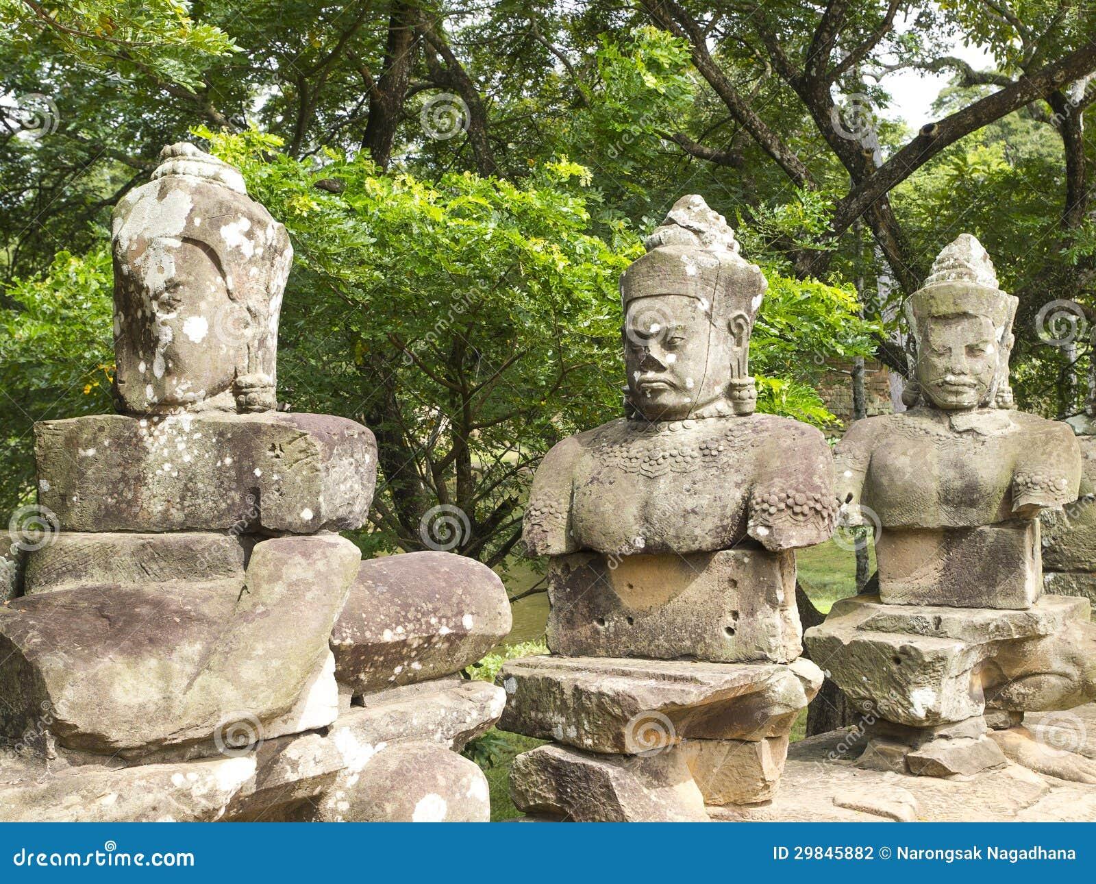 Estátua antiga do deus do Khmer