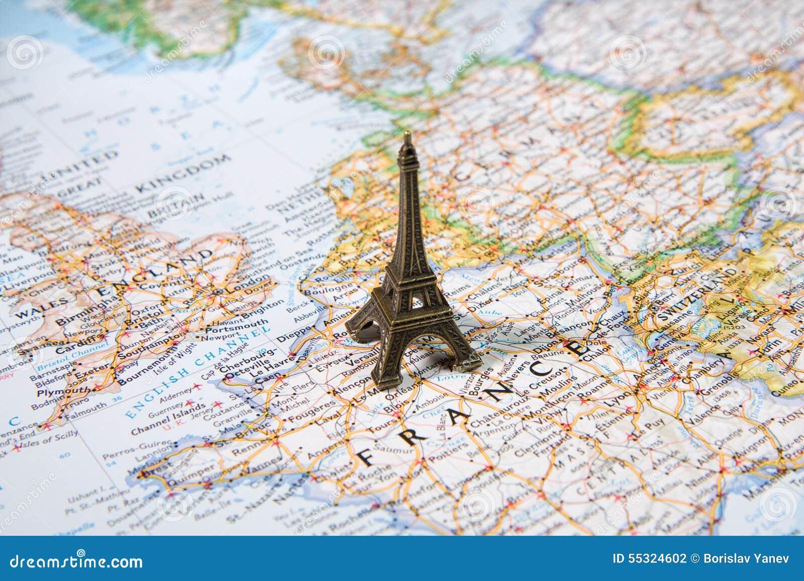 Estátua Da Torre Eiffel Em Um Mapa Paris A Maioria De Destino - Paris mapa