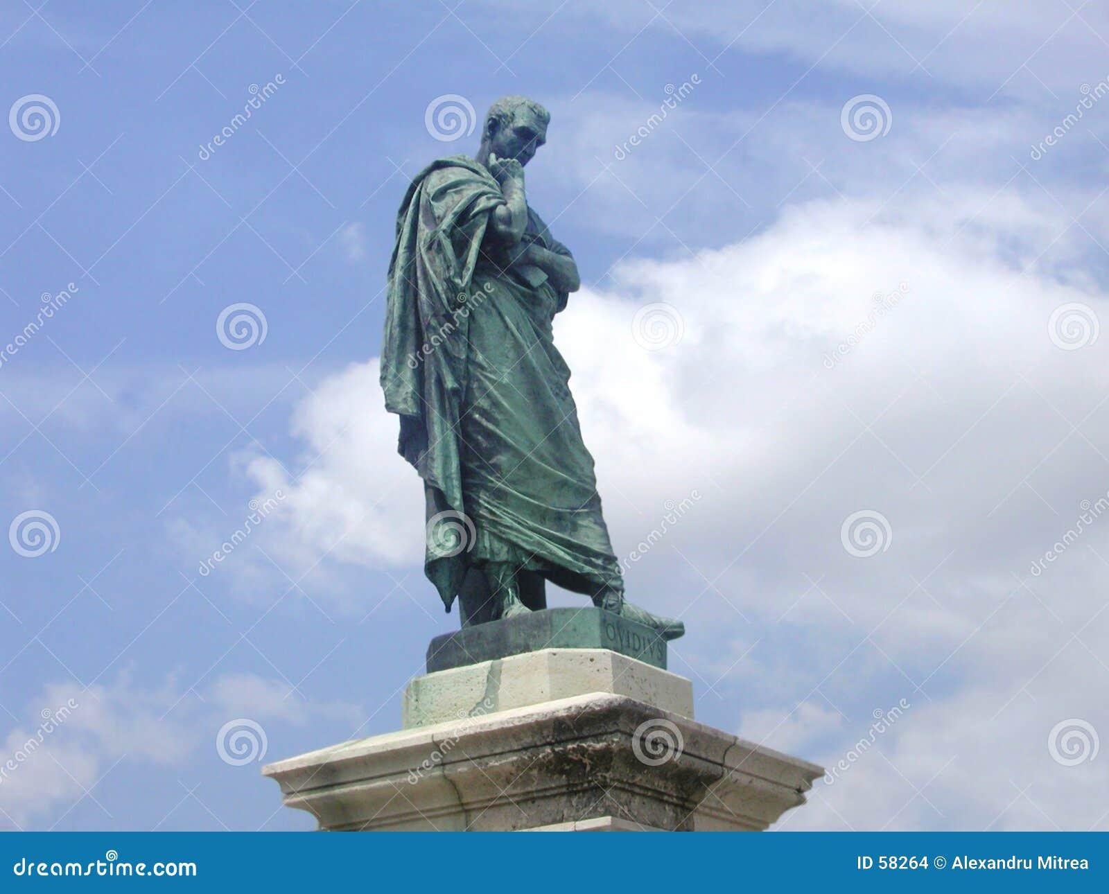 Estátua de Ovidius