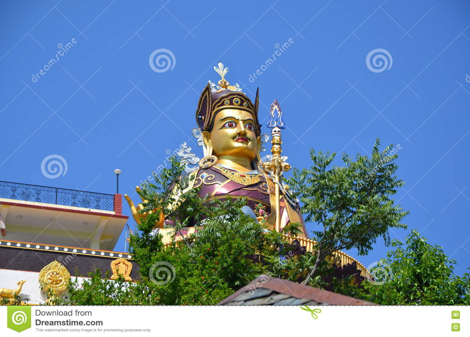Estátua de Padmasambhava em Rewalsar