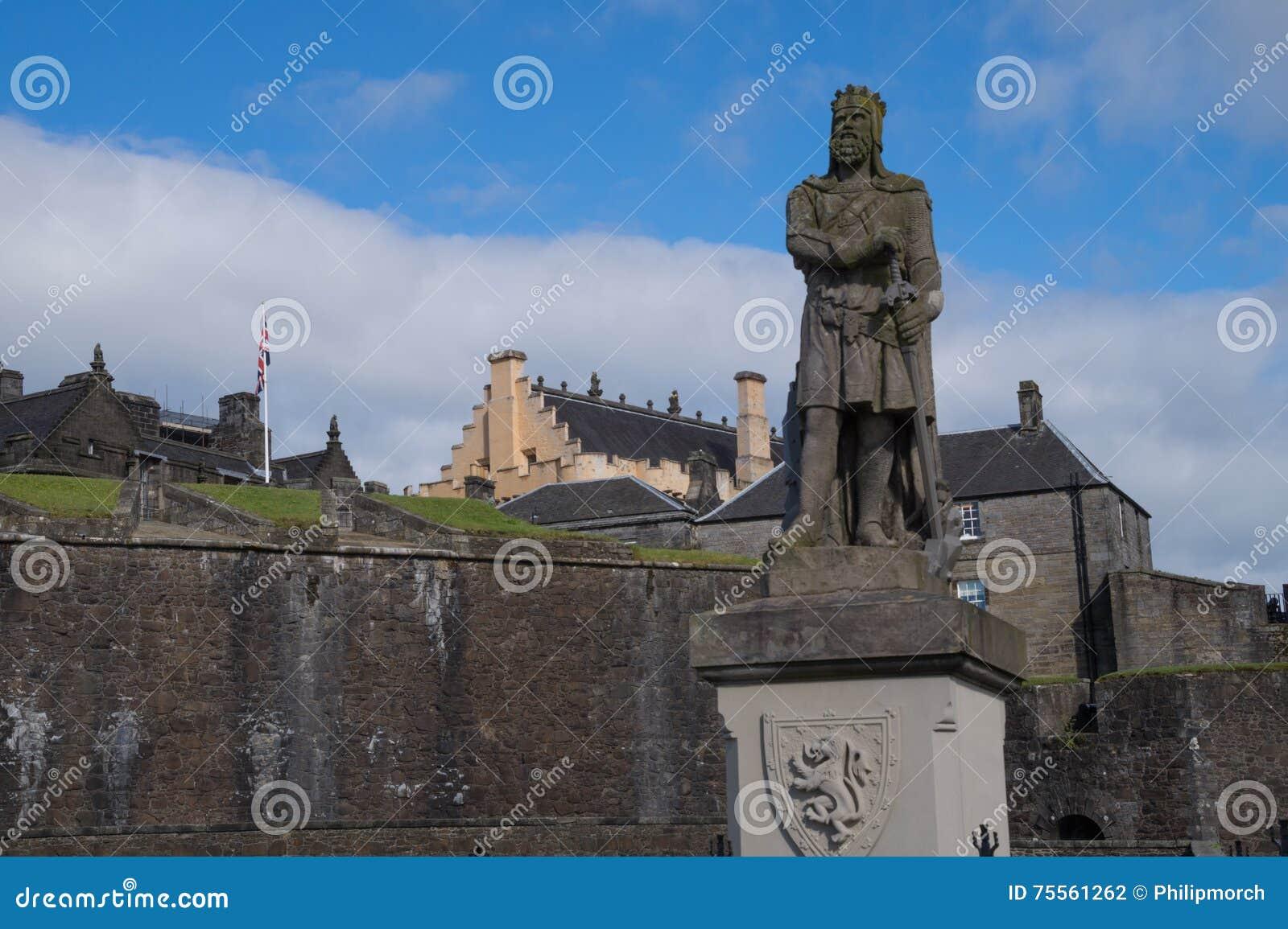 Estátua de Robert o Bruce na frente de Stirling Castle, Escócia