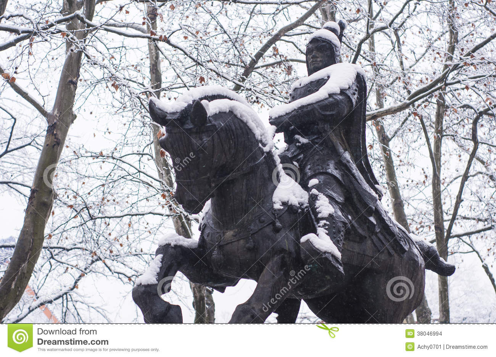 A estátua de um comandante chinês em épocas antigas
