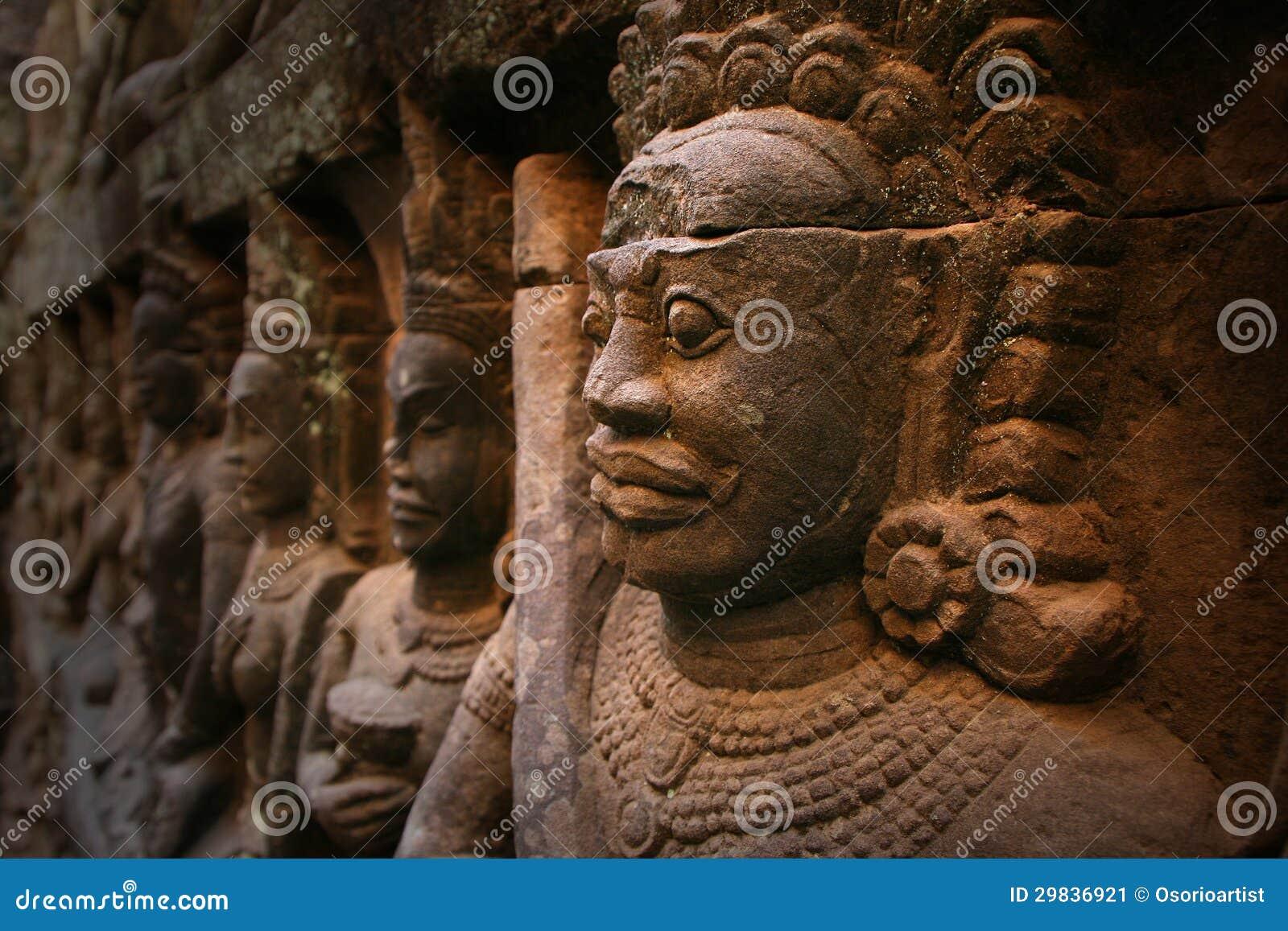 Angkor Wat, estátua em Cambodia