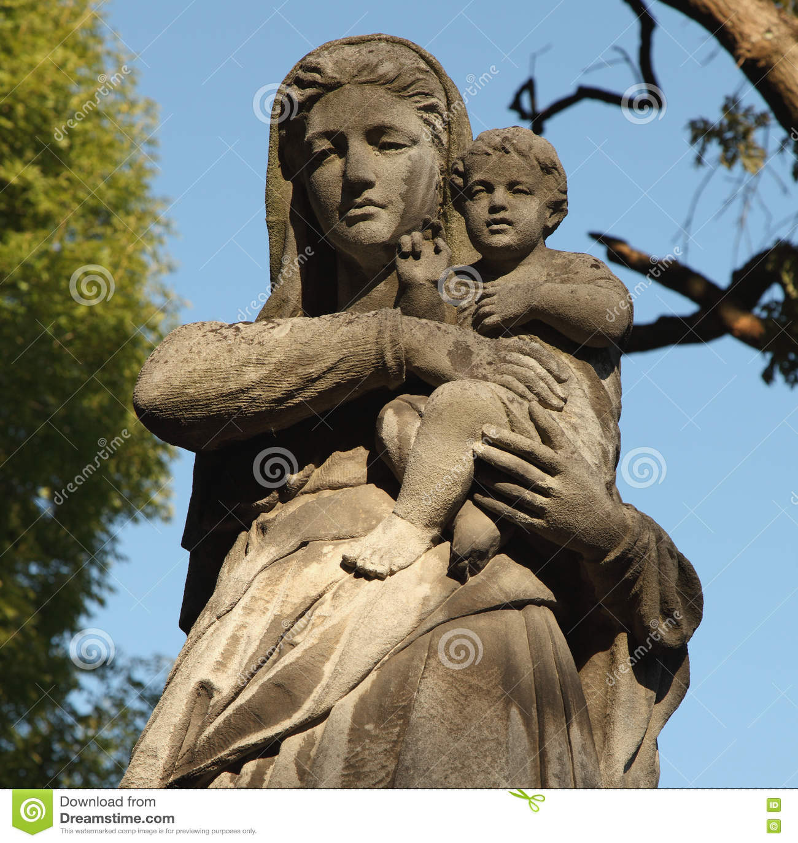 Estátua do Virgin Mary e do Jesus Cristo