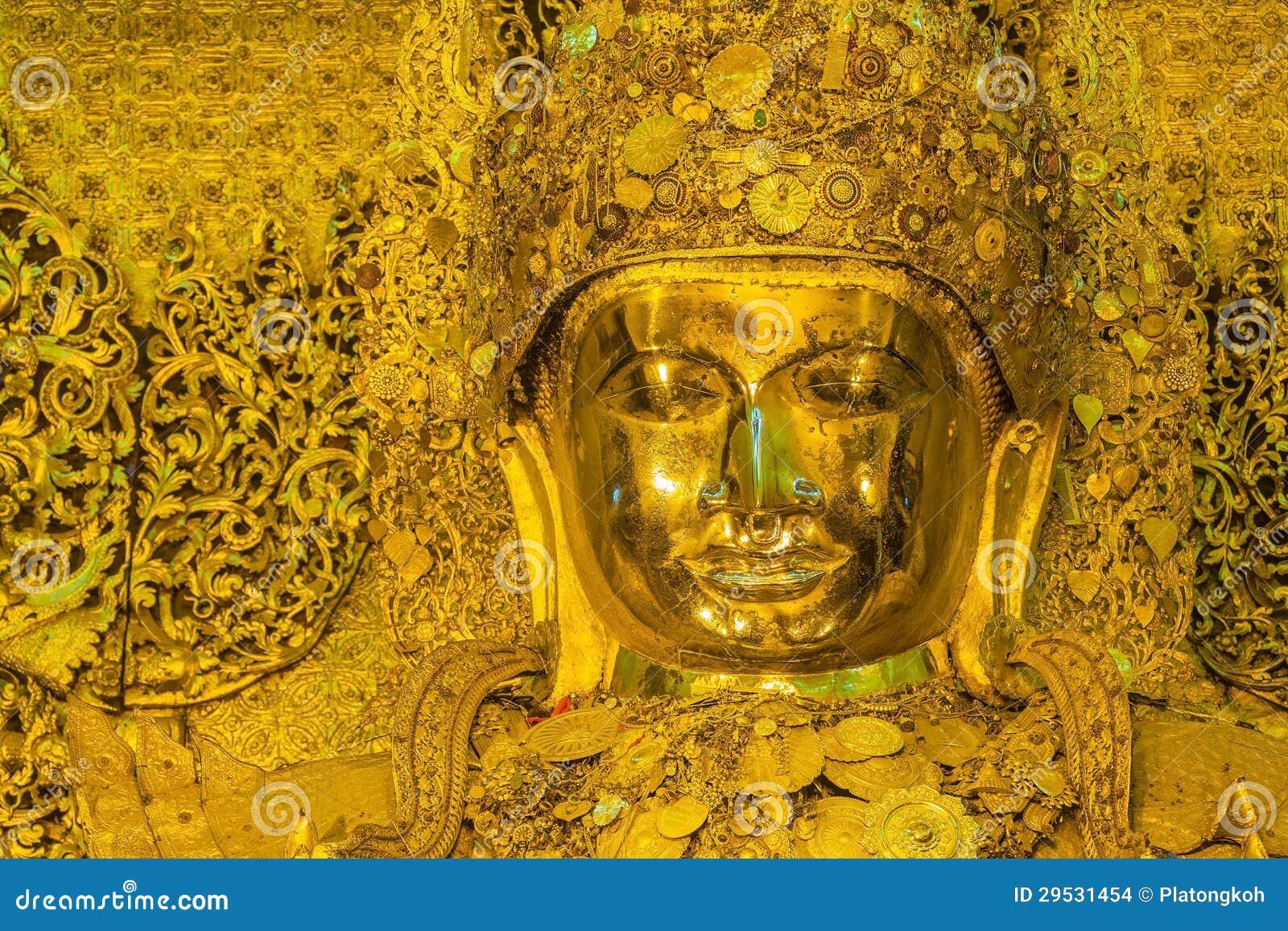 Estátua dourada grande de Mahamuni Buddha