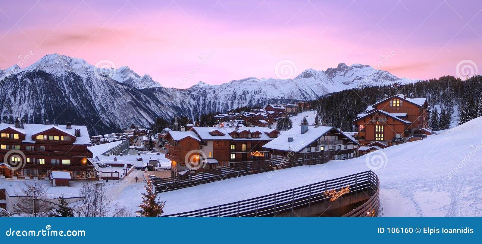 Estância de esqui, de Courchevel em France,