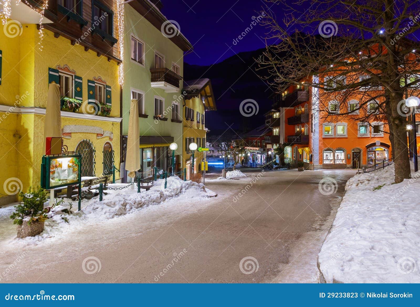 Download Estância De Esqui Hofgastein Ruim Áustria Das Montanhas Imagem de Stock - Imagem de montes, alpine: 29233823