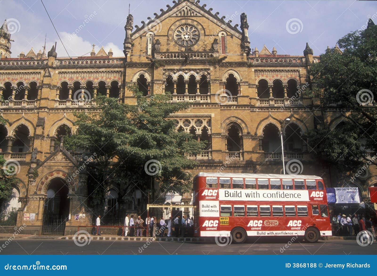 Estação de caminhos-de-ferro de Mumbai