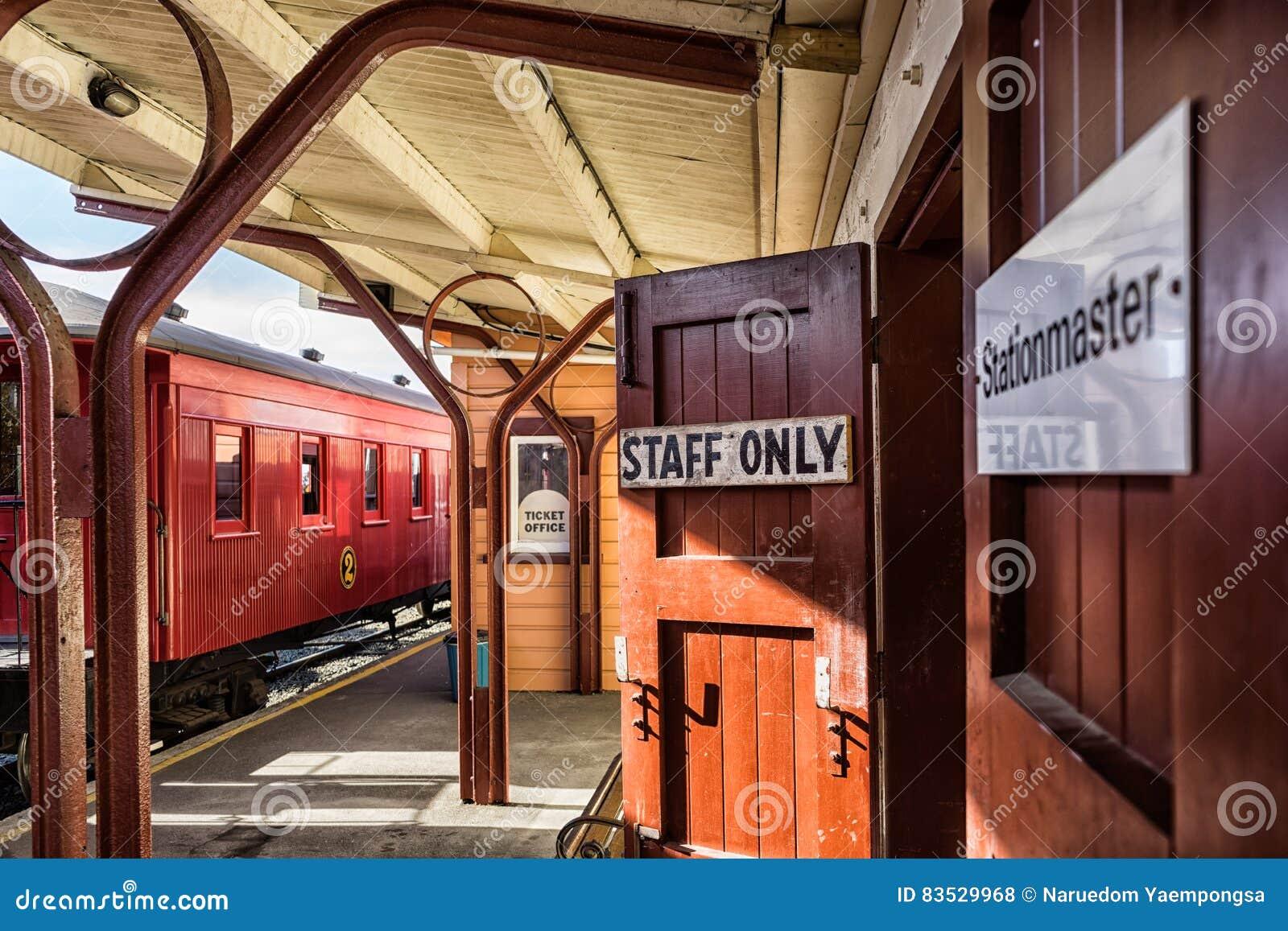 Estação de caminhos-de-ferro velho
