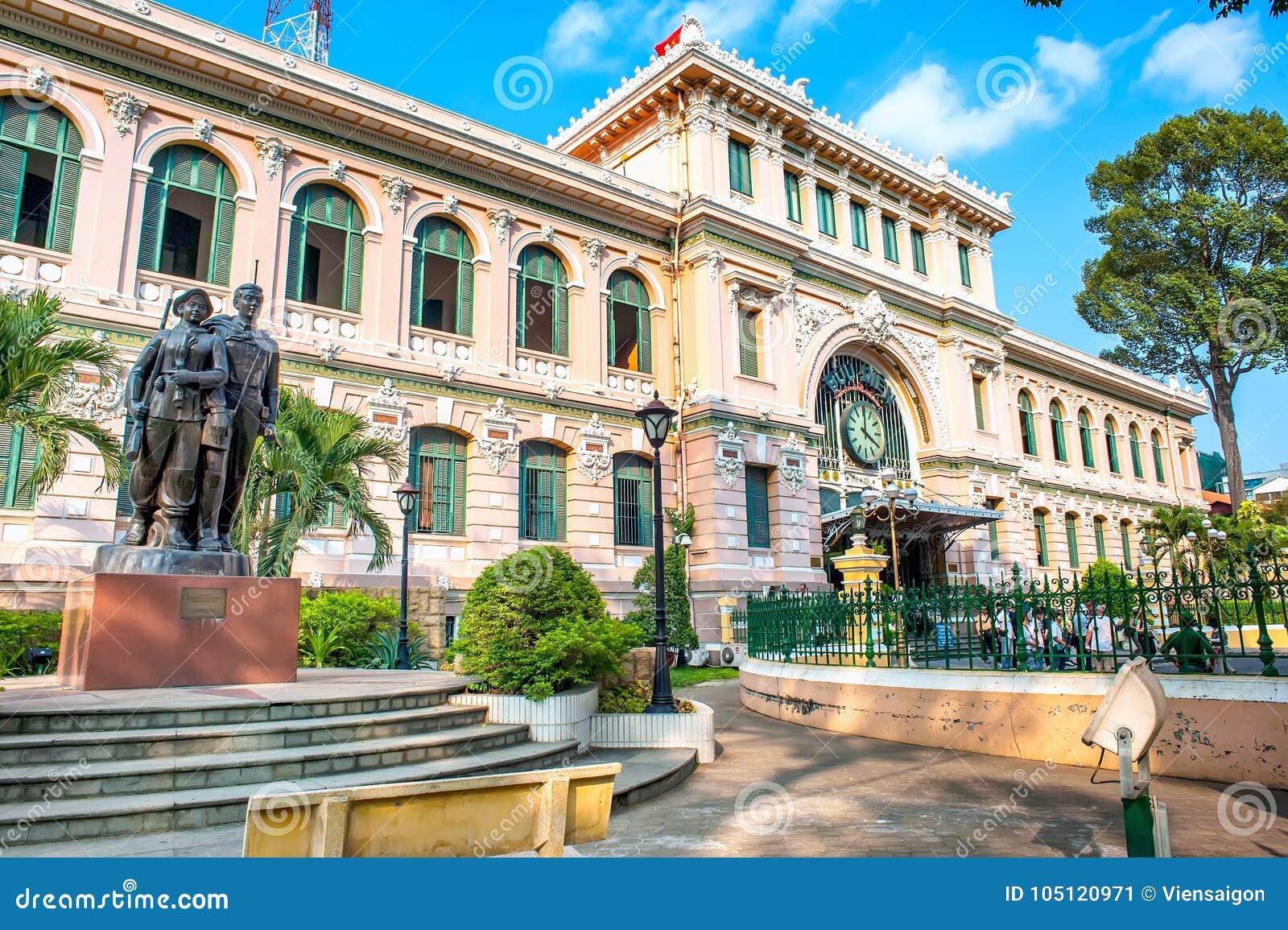 Estação de correios central de Saigon em Ho Chi Minh City, Vietname
