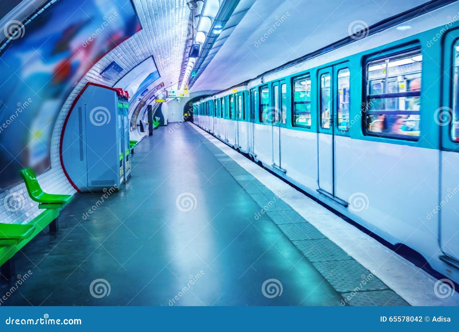 Estação de metro em Paris
