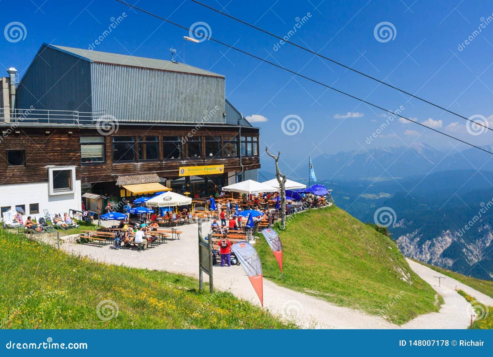 Estação do restaurante e do teleférico em Alpspitze