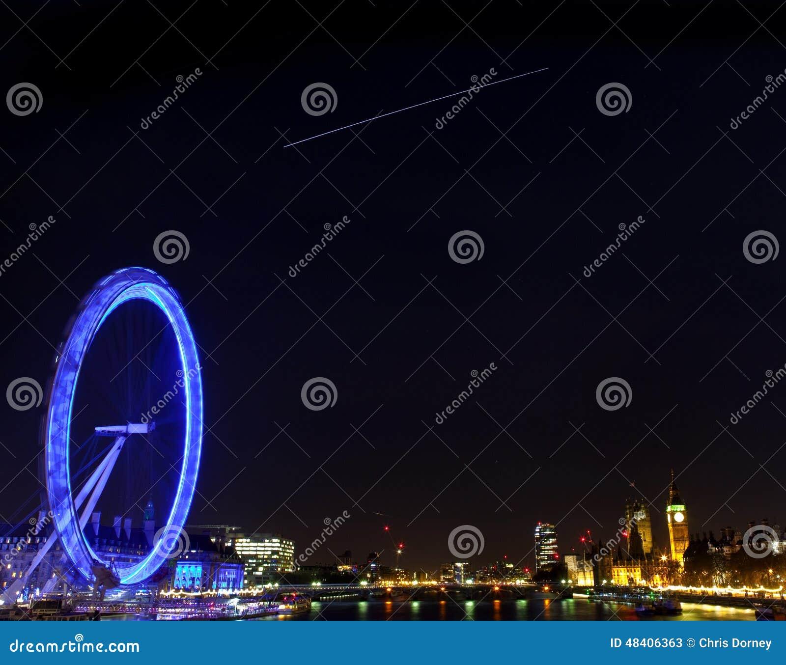 A estação espacial internacional sobre Londres