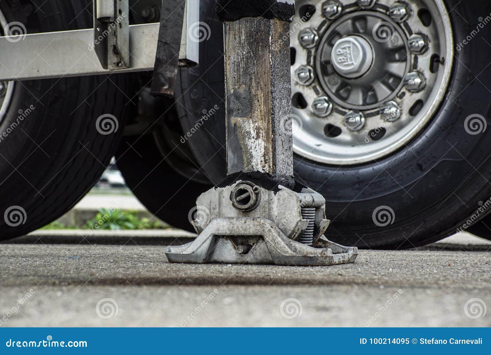 Estabilizador lateral prolongado da guiga do caminhão Apoio ao guindaste telescópico móvel