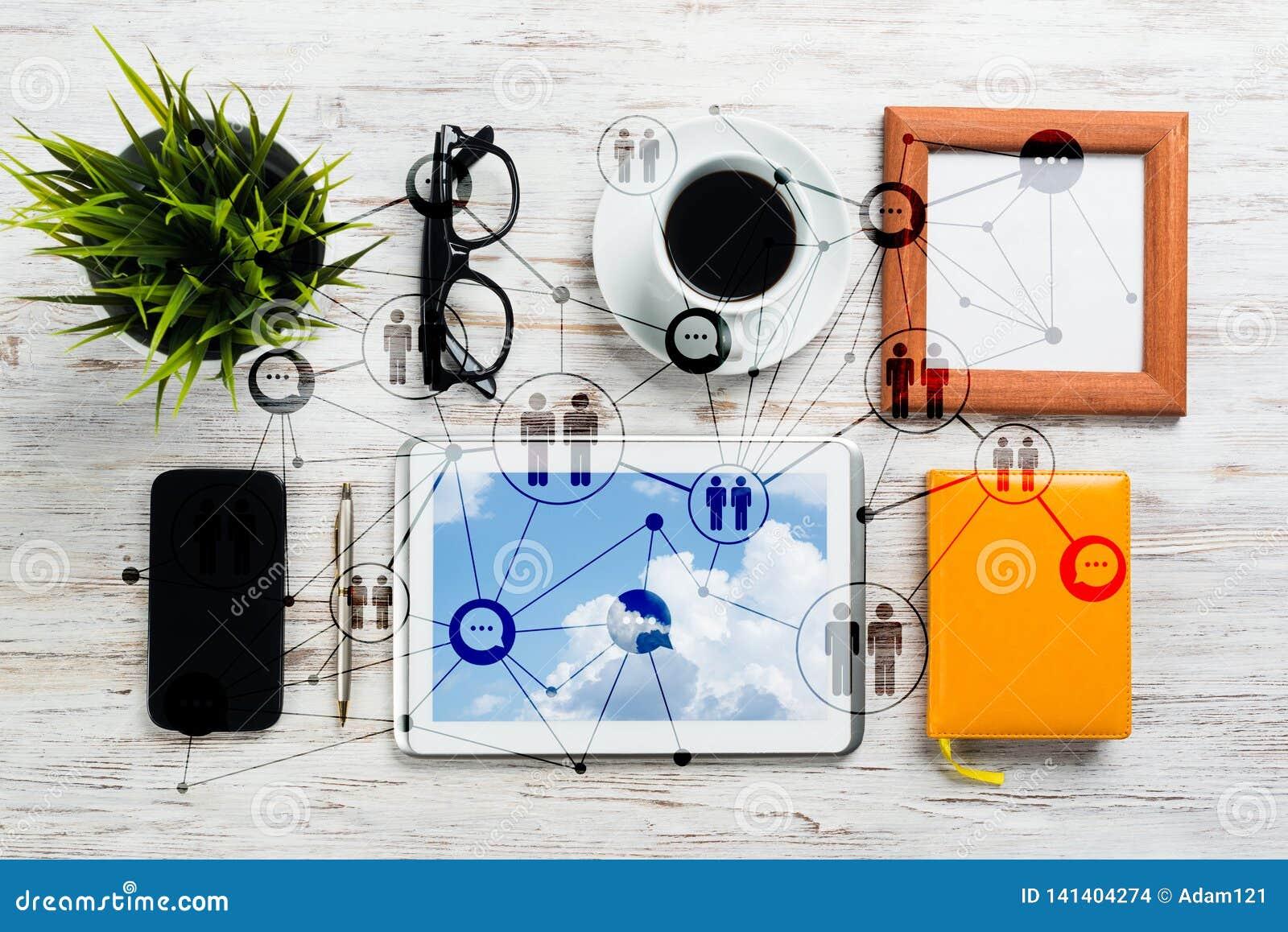 Establecimiento de una red y conceptos sociales de la comunicación