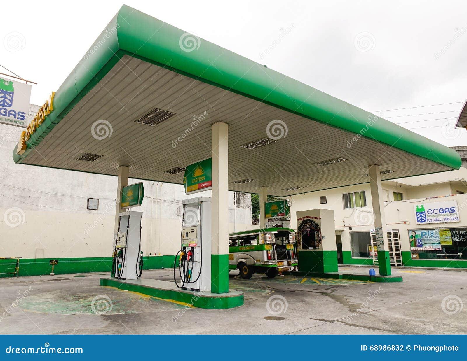 Estación de gasolina en Manila, Filipinas