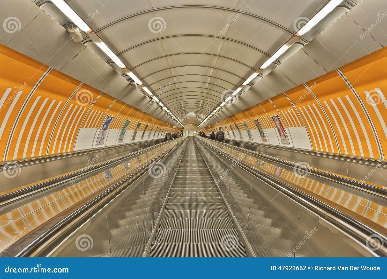 Estación de metro en Praga