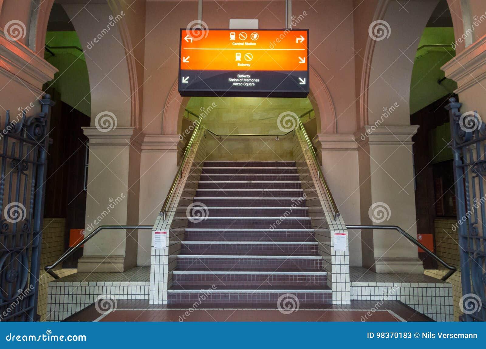 Estación De Metro Urbana De La Estación Central En Brisbane